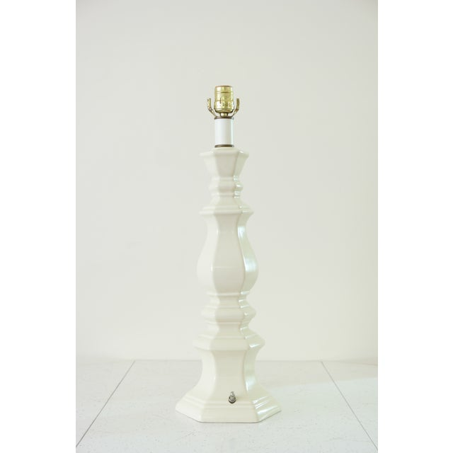 American Classical Large Vintage Ceramic Table Lamp For Sale - Image 3 of 5