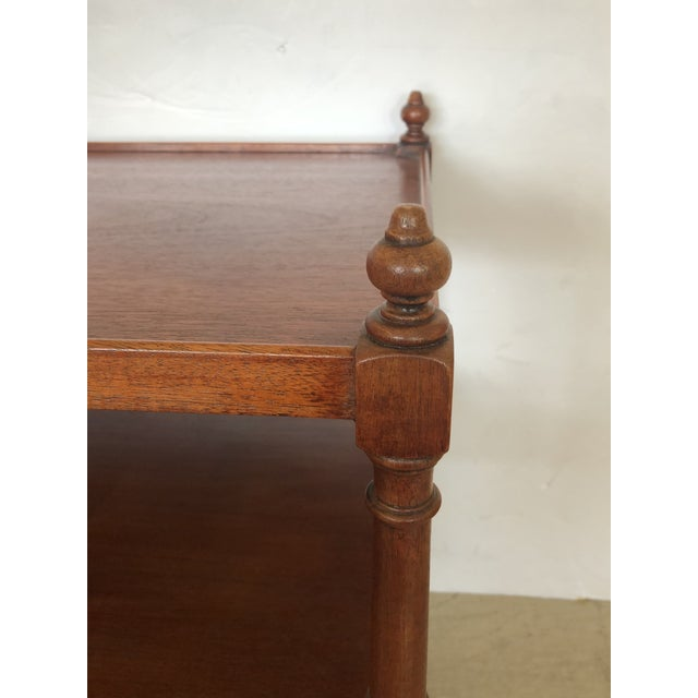 Traditional Grand Rapids Vintage 3-Tier Mahogany Side End Tables -A Pair For Sale - Image 3 of 9