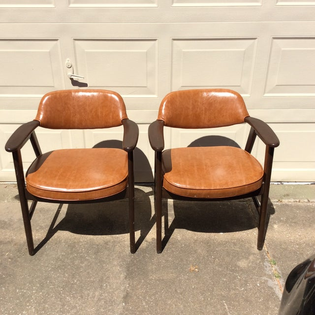 Vintage Mid Century Paoli Lounge Chairs - A Pair For Sale - Image 13 of 13