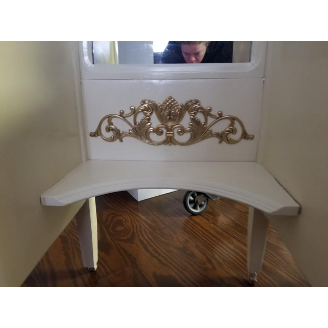 French Victorian Ivory VanityMakeup Dresser With Gold Leaf Accents With Mirror For Sale - Image 3 of 8