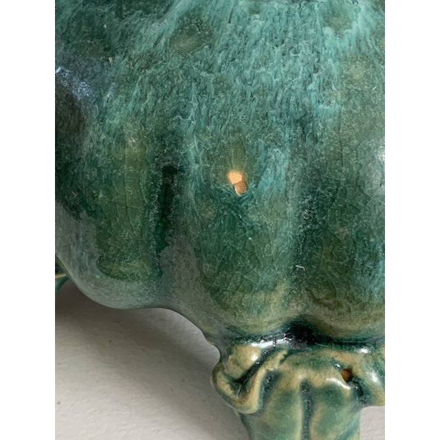 Vintage Majolica Glazed Pottery Footed Planter With 6 Sitting Frogs For Sale - Image 10 of 11