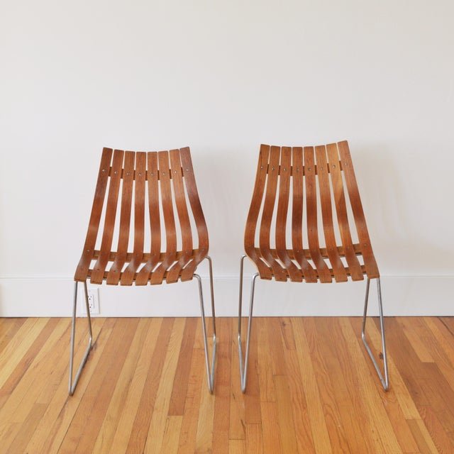"""Contemporary 1960s Vintage Hans Brattrud for Hove Mobler Scandia """"Junior"""" Chairs- A Pair For Sale - Image 3 of 6"""