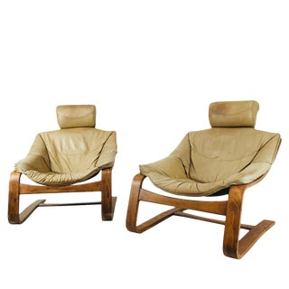 Pair of Bentwood and Leather Cantilever Midcentury Lounge Chairs For Sale