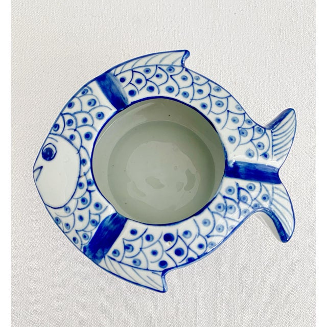 White Vintage Chinoiserie Fish Shape Hand Painted Porcelain Ashtray For Sale - Image 8 of 8