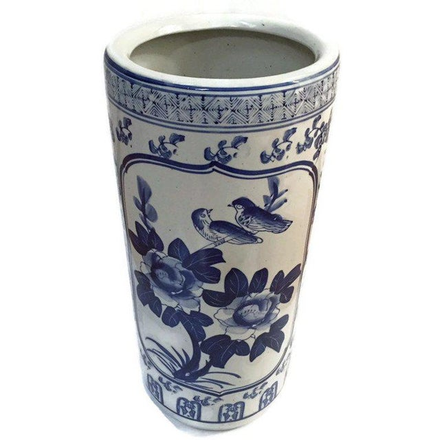 "1970s Vintage Chinoiserie Umbrella Stand Cobalt Blue White Chinese Porcelain 18"" For Sale - Image 5 of 11"