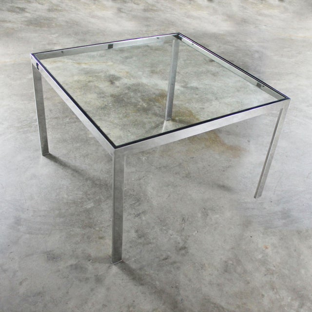 Mid-Century Modern Chrome and Glass Milo Baughman Attribution Parsons Style End Table Vintage Modern For Sale - Image 3 of 10