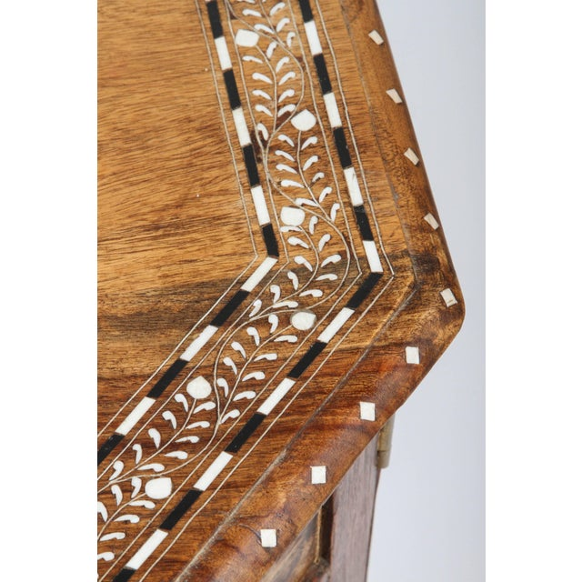 Anglo Indian Bone Inlaid Octagonal Side Table For Sale In Los Angeles - Image 6 of 8