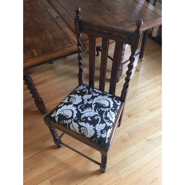 Barley Leg Solid Oak Table & Chairs - Image 4 of 5