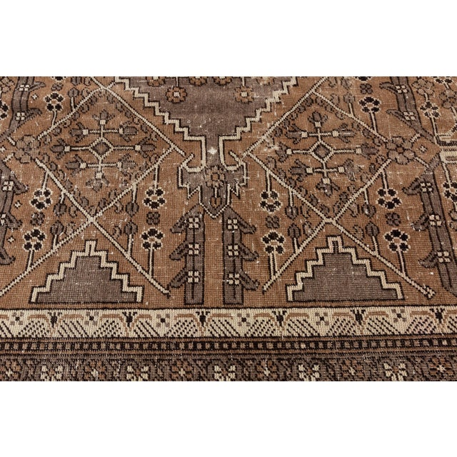 "Antique Mahal Rug, 9'6"" X 13'4"" For Sale In New York - Image 6 of 10"