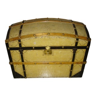 19th Century Traditional Painted Barrel Top Blanket Trunk For Sale