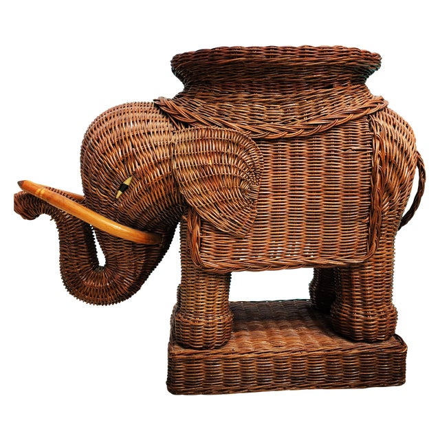 Vintage Wicker Rattan Elephant Plant Stand Table For Sale