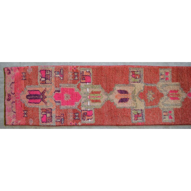 1960s Distressed Oushak Rug Runner - Hand Knotted Narrow Hallway Rug - 1′ 11″ × 12′ 2″ For Sale - Image 5 of 9