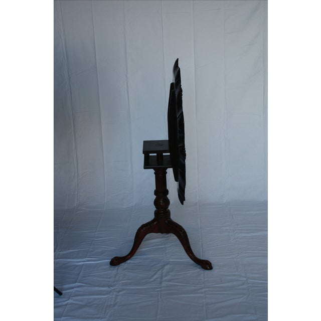 Carved Mahogany Pie Crust Tilt-Top Table For Sale In New York - Image 6 of 7