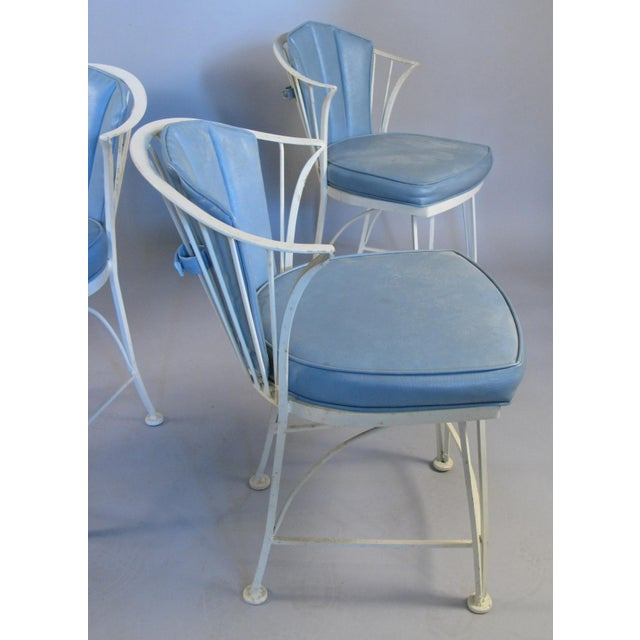Russell Woodard 1950s Vintage Woodard Pinecrest Chairs with Original Cushions - Set of 4 For Sale - Image 4 of 10