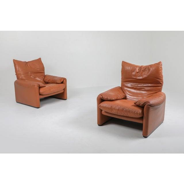 Vico Magistretti 1970s Maralunga Cognac Leather Club Chairs by Vico Magistretti for Cassina - a Pair For Sale - Image 4 of 11