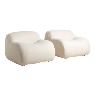 Pair of Italian Lounge Chairs in Ivory Alpaca Boucle For Sale