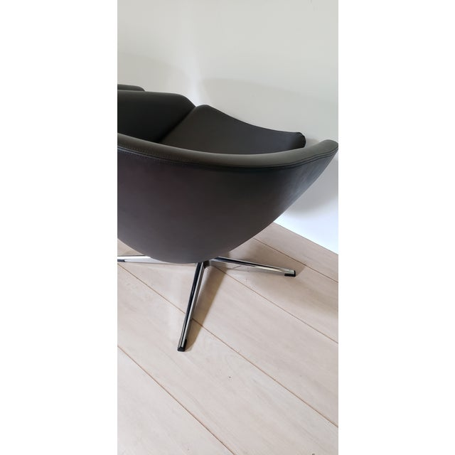 Overman Sweden 1970s Mid Century Modern Overman Swivel Pod Chairs - a Pair For Sale - Image 4 of 13