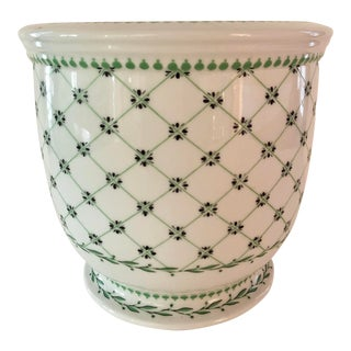 Late 20th Century Italian Porcelain Cachepot For Sale