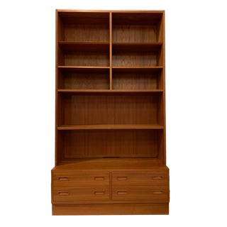 Poul Hundevad Danish Modern Teak Bookcase Storage Shelves W. 4-Drawer Chest Base For Sale