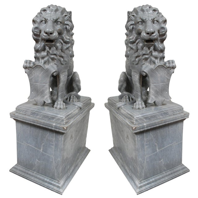 Italian Carved Marble Lions, circa 1900 For Sale