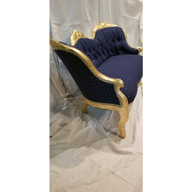 French Antique Settee in Navy Linen With Gilded Frame For Sale - Image 3 of 10
