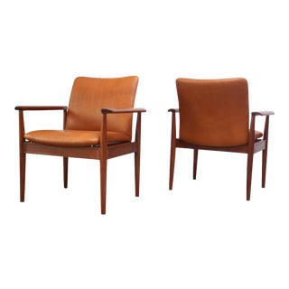 Pair of Finn Juhl Diplomat Armchairs for France & Son in Leather and Teak For Sale