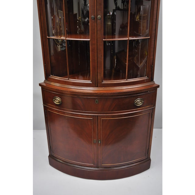 Traditional Early 20th Century Antique Finch Mahogany Bow Front Glass  Corner China Cabinet For Sale - - Early 20th Century Antique Finch Mahogany Bow Front Glass Corner