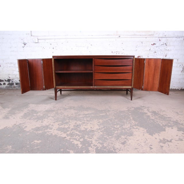 Wood Paul McCobb for Calvin Irwin Collection Mahogany Sideboard Credenza, Newly Restored For Sale - Image 7 of 13