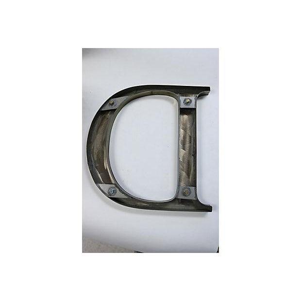 "Vintage Metal ""O"" English Pub Letter - Image 3 of 3"