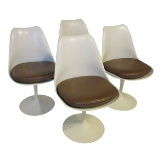 Eero Saarinen Tulip Dining Chairs for Knoll International For Sale