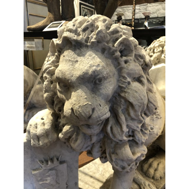 18th Century Marble Lion Statues - a Pair For Sale - Image 4 of 13