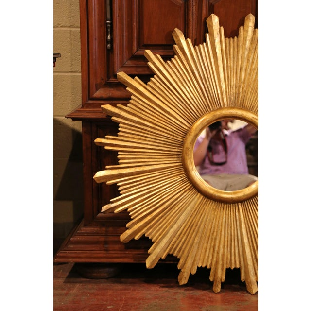 2010s Large Pair of Italian Carved Giltwood Sunburst Mirrors For Sale - Image 5 of 11