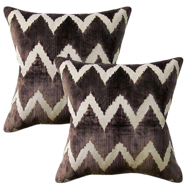 New! Lee Jofa Belgian Velvet Accent Pillows - Set of 2 ~ Down Feather Inserts Included. For Sale
