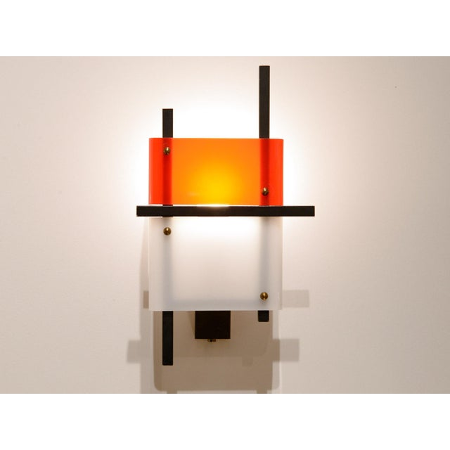 Stilnovo Stilnovo - Pair of Wall Lights in Plexiglass and Lacquered Steel, Circa 1950 For Sale - Image 4 of 8