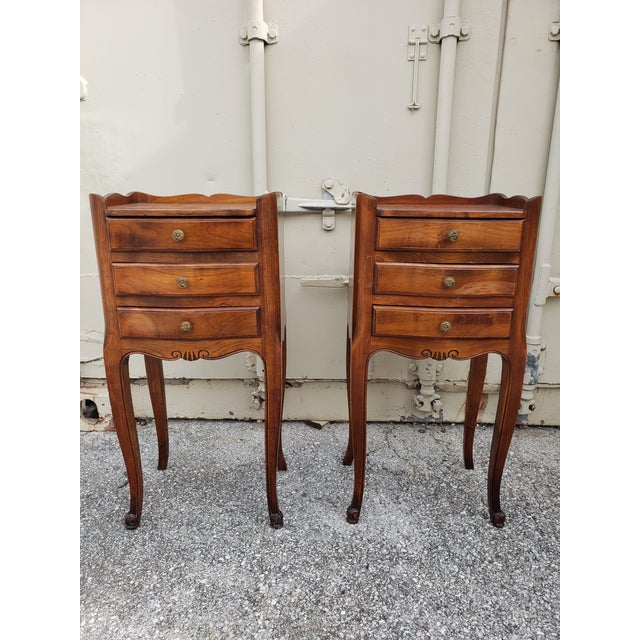 Walnut 20th Century French Louis XV Walnut Bedside Cabinets - a Pair For Sale - Image 7 of 10