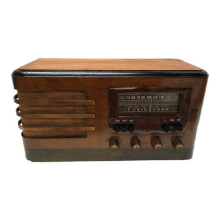 1930s Vintage Westinghouse Mid-Century Modern Wood Radio For Sale