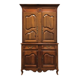 Late 20th Century Thomasville Pine French Country Style Illuminated Bar Cabinet For Sale