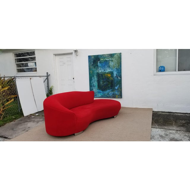 Vladimir Kagan Red Velvet Serpentine Sofa . For Sale - Image 4 of 13