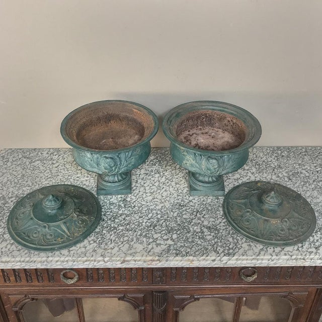 Mid 19th Century Air 19th Century French Napoleon III Period Iron Garden Urns For Sale - Image 5 of 12