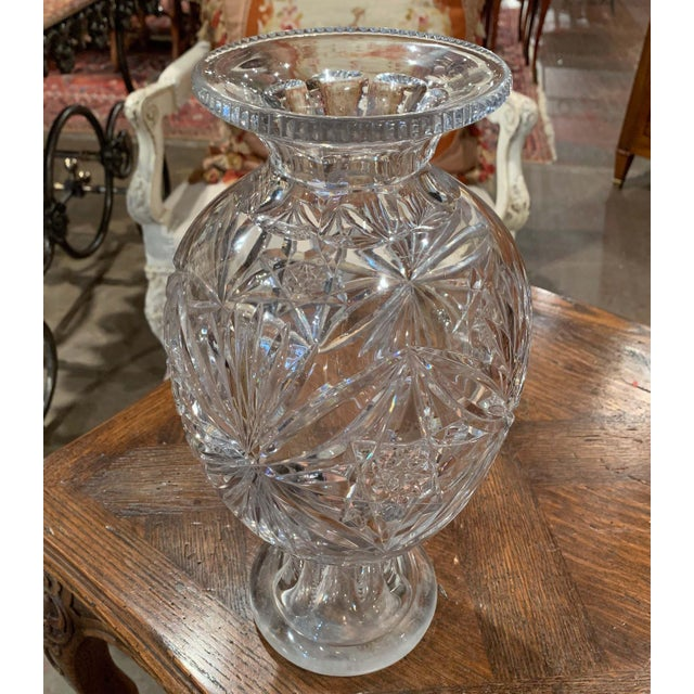 White Midcentury Clear Cut Glass Vase With Foliage and Star Motifs For Sale - Image 8 of 10