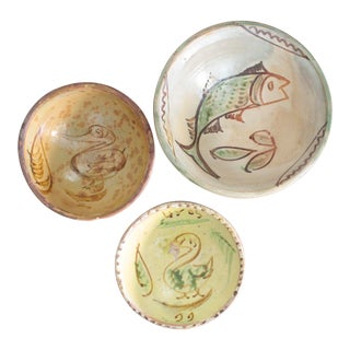 Mexican Art Tlaquepaque Clay Hand Painted Pottery Bowls - Set of 3 For Sale
