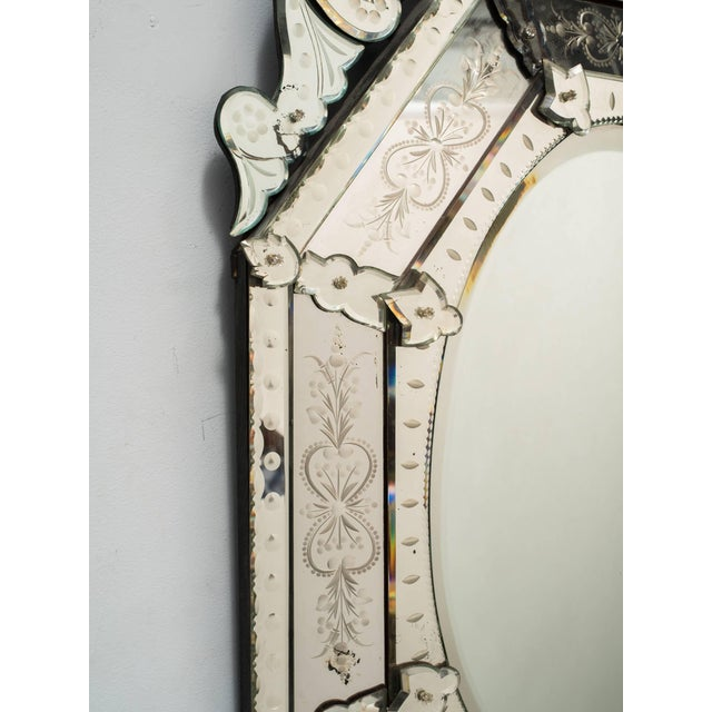 Art Deco 1930s Octagonal Venetian Mirror With Crown For Sale - Image 3 of 10