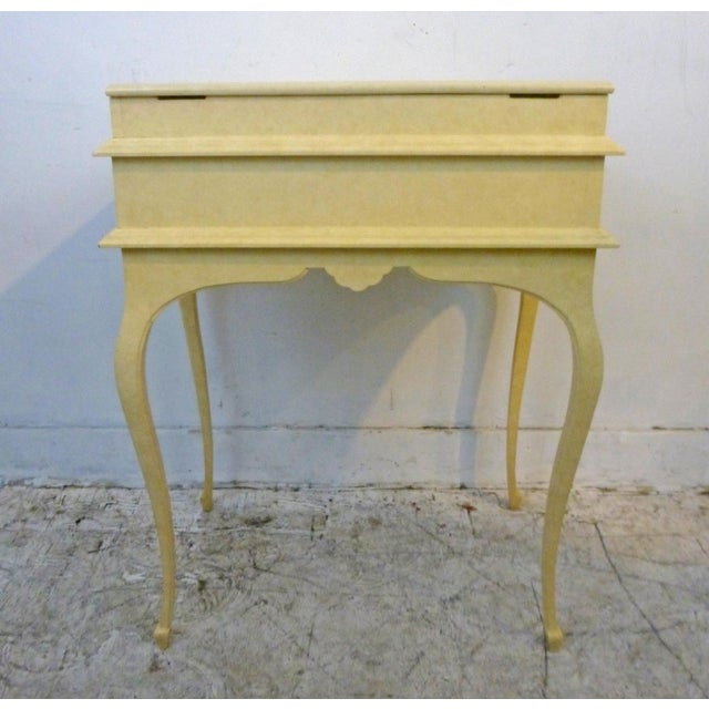 Creamy Lacquered Writing Desk - Image 5 of 8