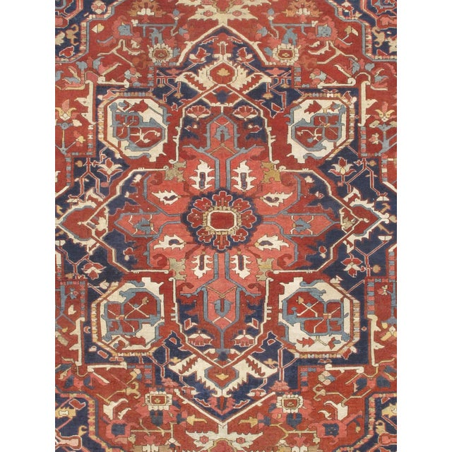 Persian Serapi rug. Lamb's Wool on a Cotton Foundation Hand-knotted in fine lambswool. good condition This rug has a...