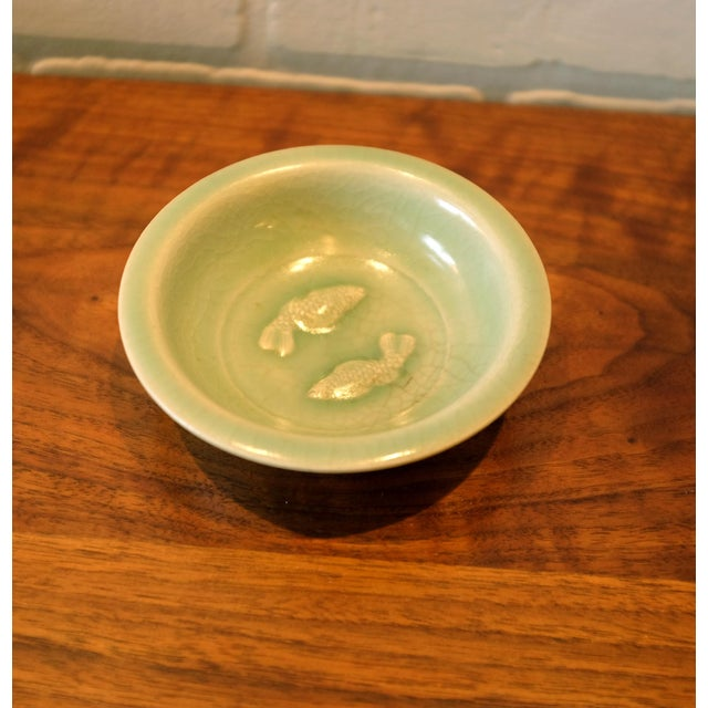 Ceramic Vintage Chinoiserie Ceramic Dish with Fish Motif For Sale - Image 7 of 7