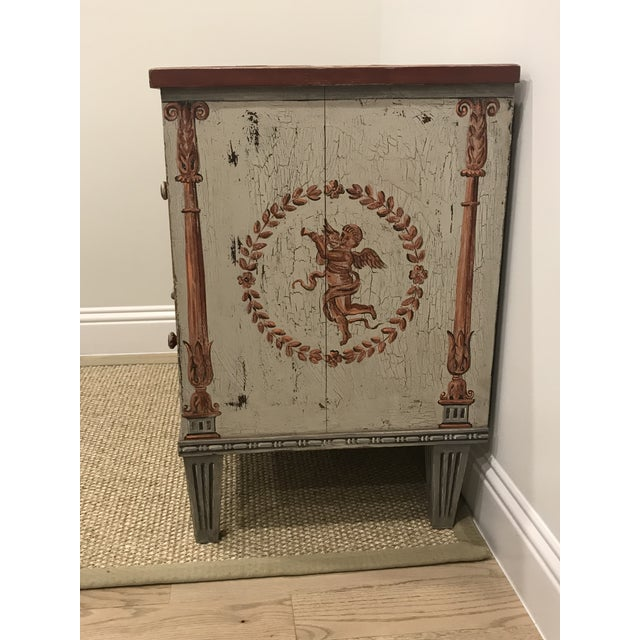 18th Century Traditional Hand Painted Commode For Sale - Image 4 of 7