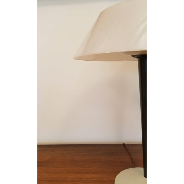White 1960s Rewired Gerald Thurston Table Lamp for Lightolier For Sale - Image 8 of 13