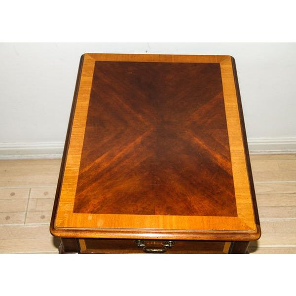 """Vintage Thomasville """"Mahogany Collection"""" End Table"""