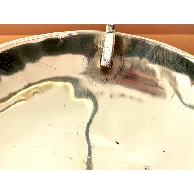 1960s Vintage Virginia MetalCrafters Solid Brass Bowl With Key Handle For Sale - Image 5 of 13