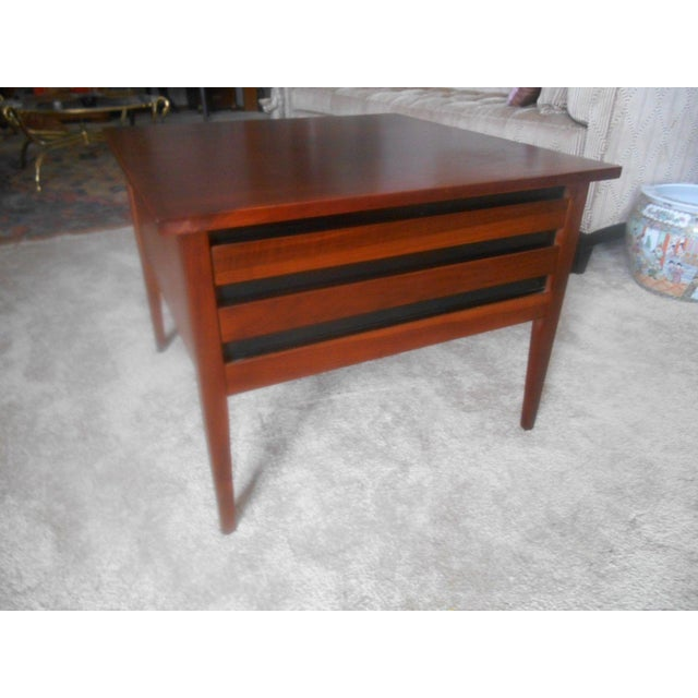 Mid-Century Modern Vintage Mid-Century Modern Dillingham Esprit Walnut Side / End Table For Sale - Image 3 of 6